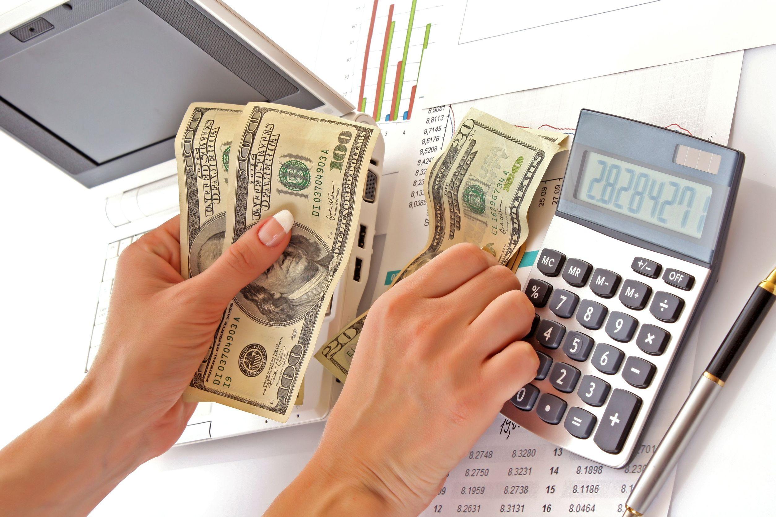 Small Tips for Big Savings: Savvy Money Management